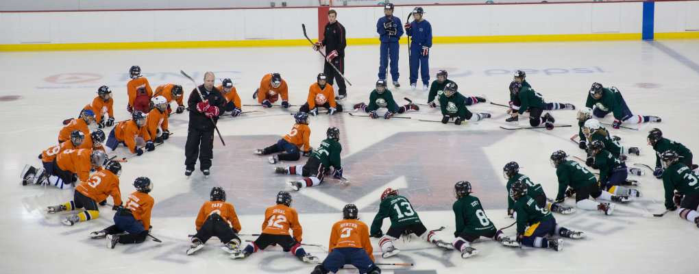 hockey players stretching