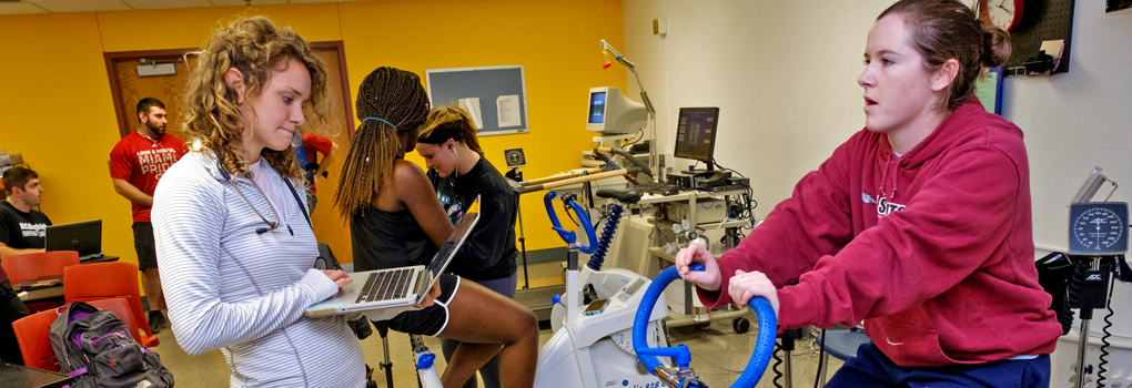 Students in a lab in the department of kinesiology and health