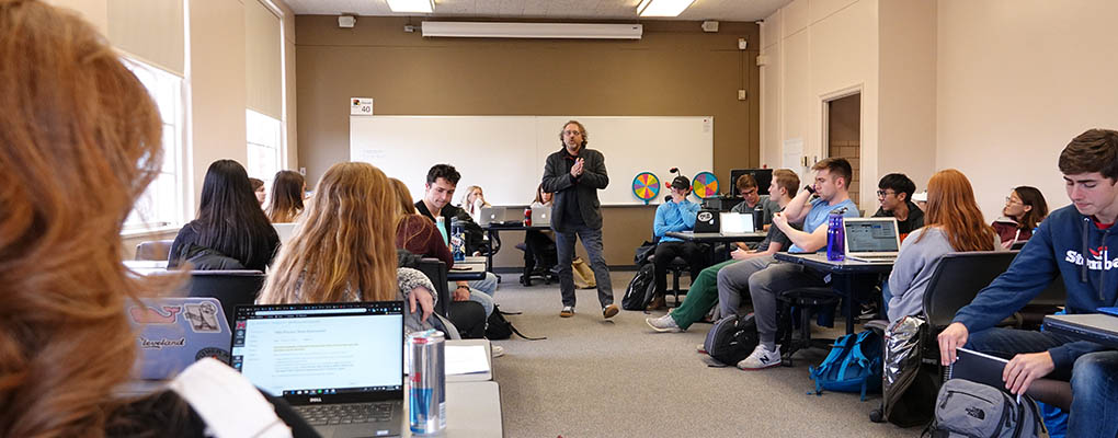 David Eyman lectures to FYIC class